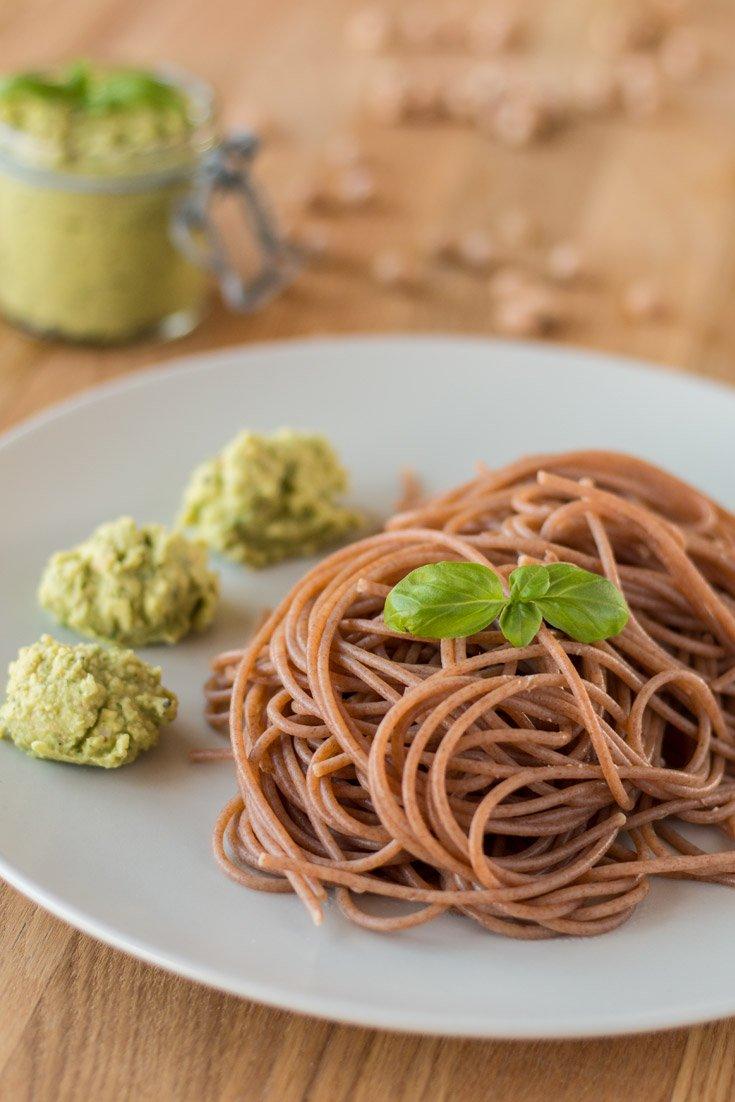 Kichererbsen-Pesto mit Vollkorn-Dinkel-Spaghetti