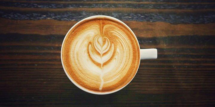 Eine Kaffeetasse von oben