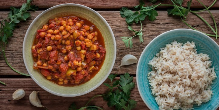 Chana Masala: Indisches Kichererbsen-Tomaten-Curry mit Reis