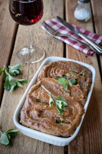Vegane Lasagne mit Spinat-Tofu-Füllung und Cashew-Miso-Topping