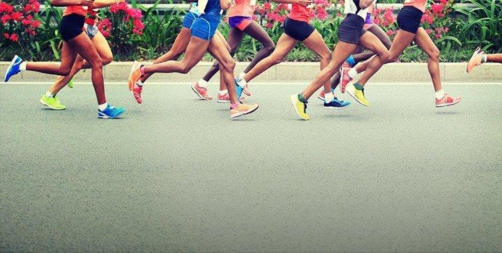Läuferbeine während eines Marathons