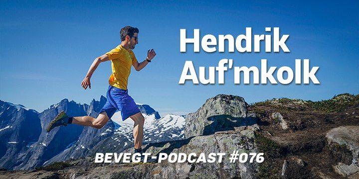 Titelbild: Hendrik Auf'mkolk beim Trailrunning vor einer Bergkulisse