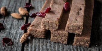 Quinoa-Mandel-Proteinriegel