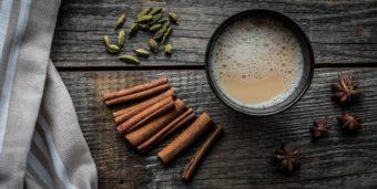 Selbstgemachter Chai-Tee für gemütliche Stunden