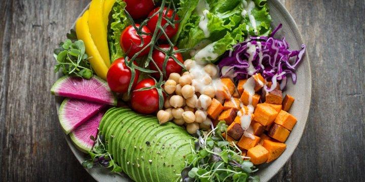28 Rezepte (und noch mehr Anregungen) für einen veganen Tag
