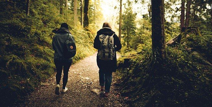 Laufen die Nackt durch Wälder Freundeskreis Sächsischer