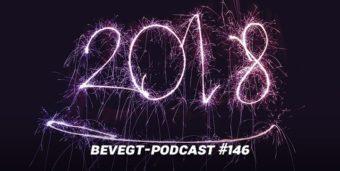 Titelbild: die Jahreszahl 2018 mit Wunderkerzen in den Himmel geschrieben