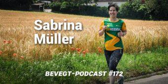Sabrina Müller läuft auf einem Feldweg