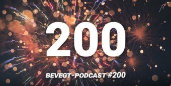 Titelbild: Die Zahl 200 vor einem Feuerwerks-Hintergrund