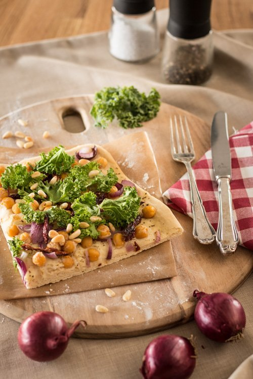 "Veganer Flammkuchen aus ""A Grain, a Green and a Bean 1"""