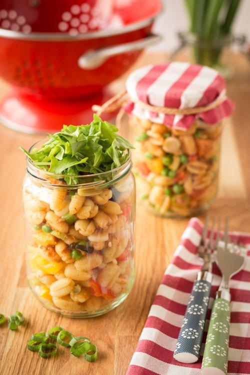 """Bunter Pastasalat aus """"A Grain, a Green and a Bean 1"""""""