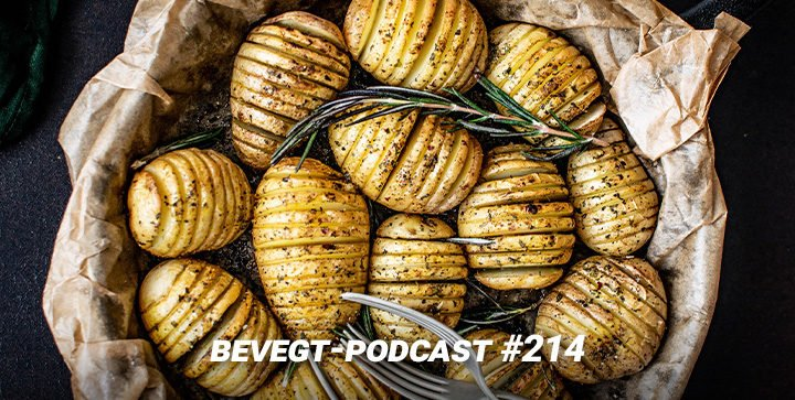 Ofenkartoffeln mit Rosmarin in einem Körbchen