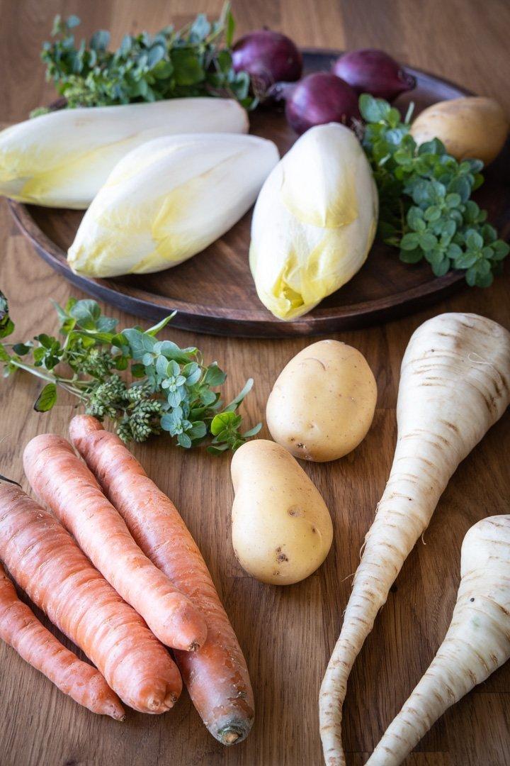 Karotten, Kartoffeln, Pastinaken und Chicorée-Rüben